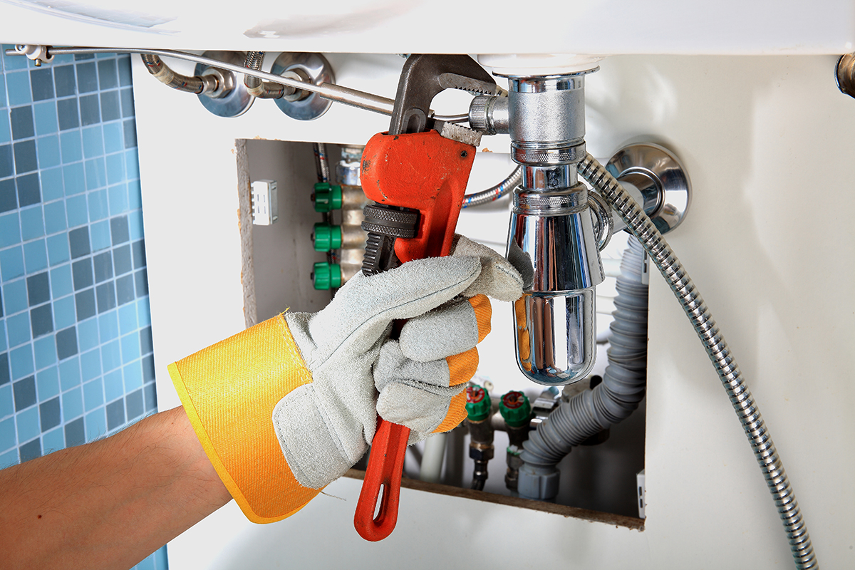 The advantages of an emergency plumber