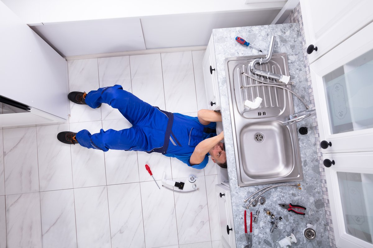 Diy or not: when to hire a plumber